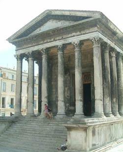 Храм в Ниме (Maison Carree), 4 год до н.э.