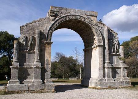 Триумфальная арка около St. Remy