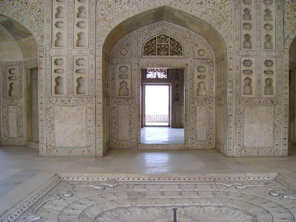 Крепость Агры и мечеть Моти-Масджид (Жемчужная Мечеть)