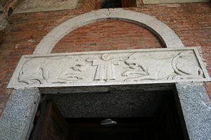 300px-9607_-_Milano_-_Sant'Ambrogio_-_Facciata_-_Architrave_portale_sin__-_Foto_Giovanni_Dall'Orto_25-Apr-2007